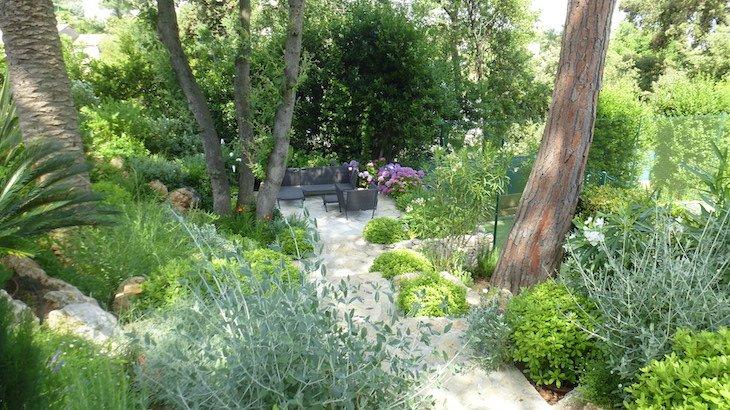 Jardin chemin pierre Adonis Paysages