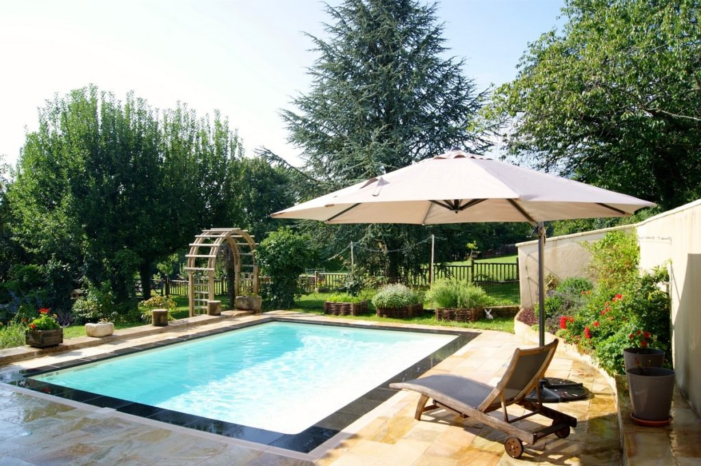 piscine design jardin